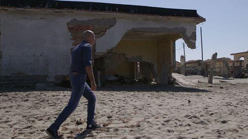 Sopravvissuti, reportage 'I dieci comandamenti' su litorale domizio Tra Roma e Napoli c'e' un pezzo di terra e di mare dimenticato da tutti