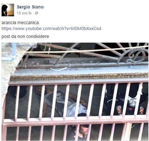 Foto choc: un sasso lanciato nello stagno dell'indifferenza di Napoli