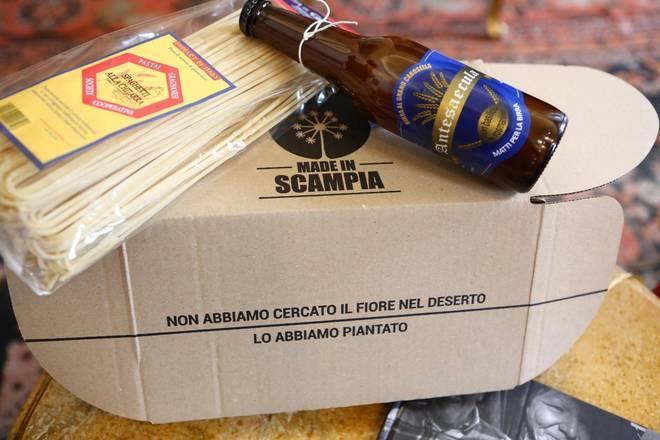 Solidarietà. Al Parlamento si presentano i 'nuovi pacchi' made in Scampia Le strenne natalizie realizzate dai giovani dell'Associazione Voci di Scampia ritornano per il quinto anno consecutivo