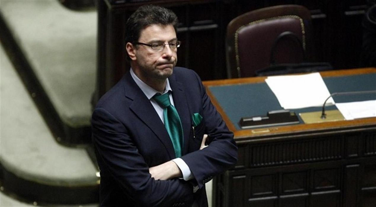 Salvini ora teme l'effetto domino. La Lega cala nei sondaggi e la base comincia a rumoreggiare