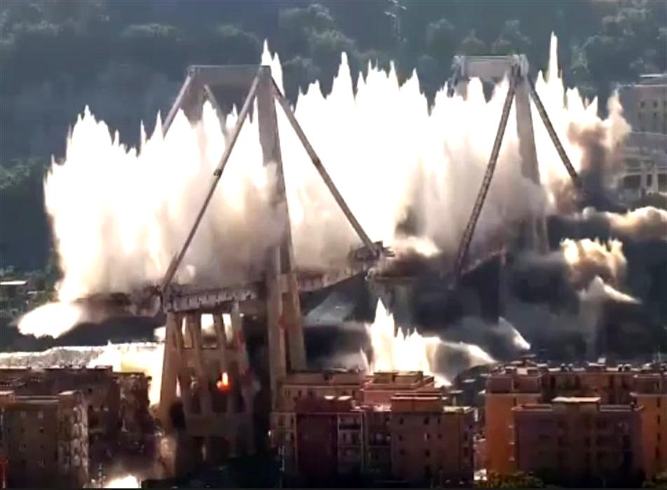 Ponte Morandi è il giorno del dolore. Il ricordo delle 43 vittime con il presidente Mattarella