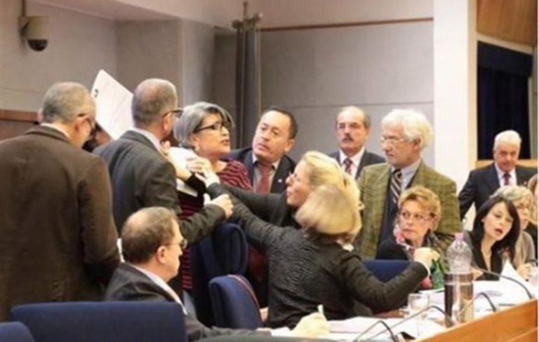 """La capogruppo Muscarà (M5S) dichiara guerra ai vertici Penstastellati: """"La stella dell'acqua non brilla più"""""""