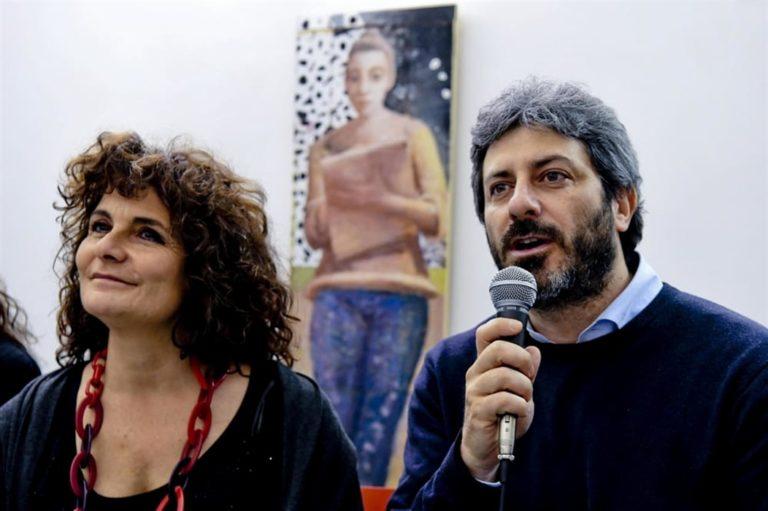 """Il sacro blog caccia la Nugnes. Fico : """"Resta nel Movimento"""" M5S sull'orlo del precipizio"""