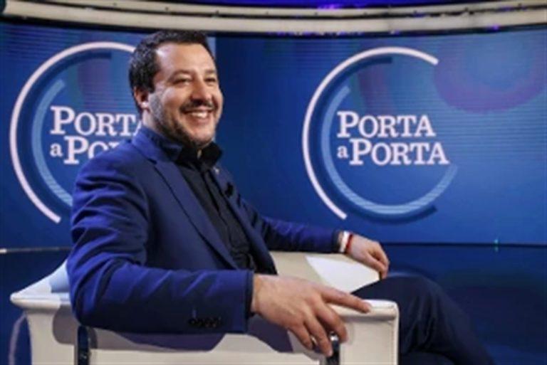 Il 'premier' Salvini deborda e detta l'agenda a Di Maio