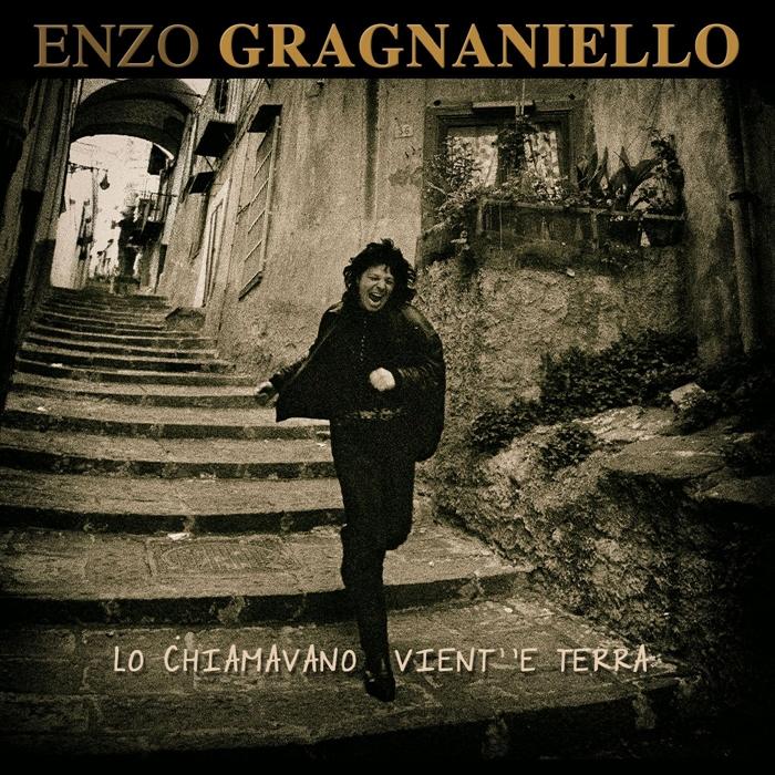 Targhe Tenco 2019:  Premiato Enzo Gragnaniello con  'Lo chiamavano vient'e terra'.  È il miglior album in dialetto