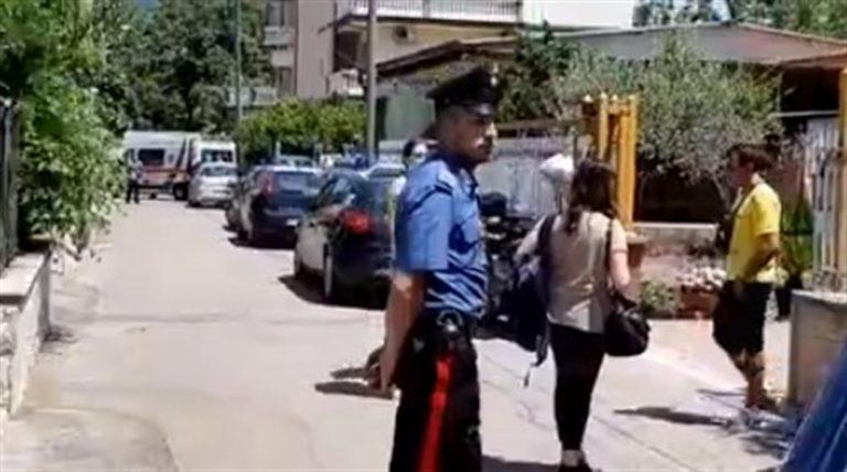 Rapinatrice deruba un pensionato all'uscita della posta, commerciante e passanti intervengono e fanno arrestare la ladra