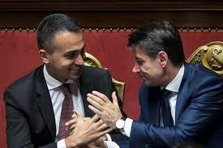 La minaccia di un nuovo esecutivo. La tenaglia di Di Maio e Conte con Salvini all'angolo
