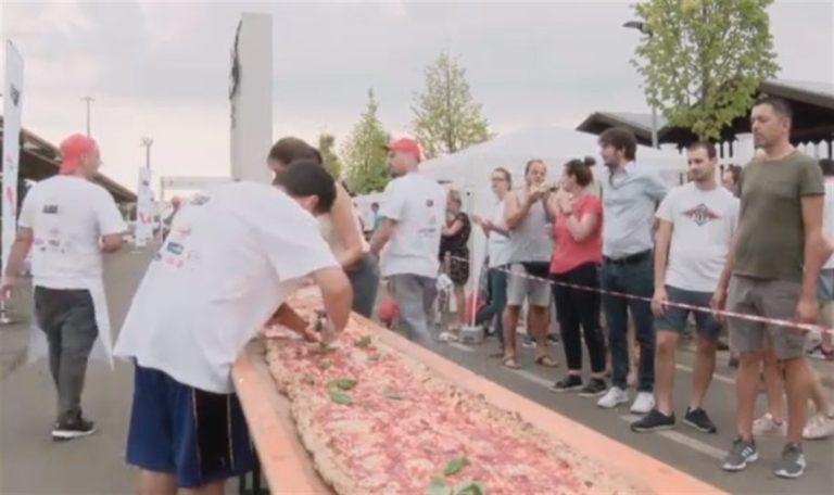 Una pizza di 500 metri che unisce il Paese