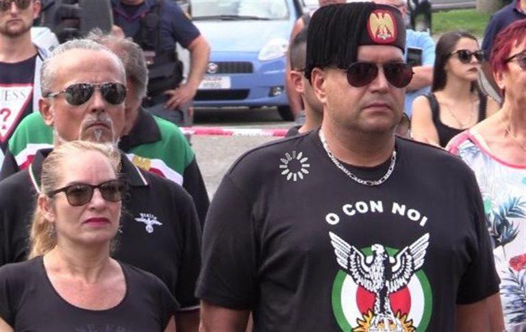 """Predappio, la cerimonia per il compleanno di Mussolini: """"Il saluto romano solo per chi se la sente"""""""
