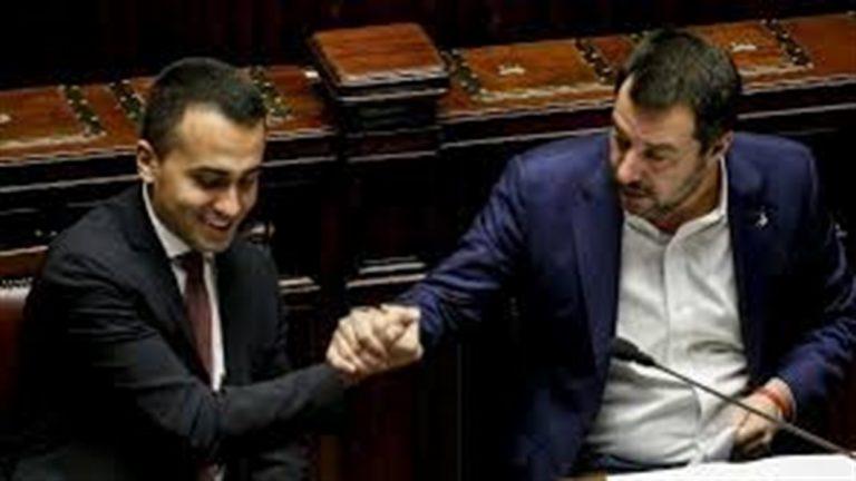 Salvini e Di Maio finalmente si vedono. Summit per evitare la crisi di governo