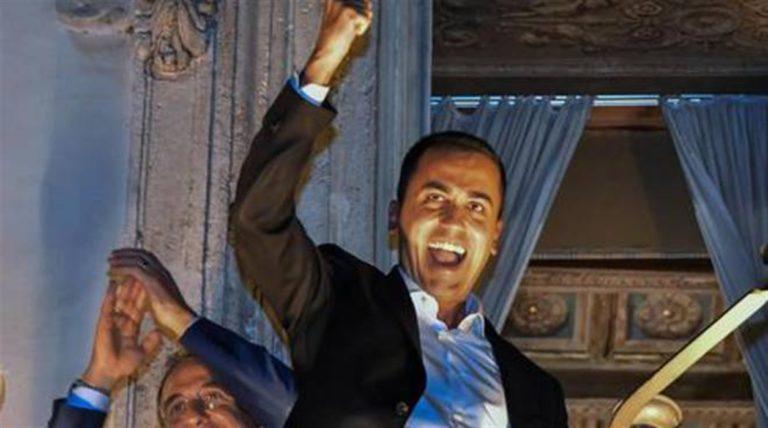"""""""Basta dichiarazioni occorrono i fatti"""", dice Luigi Di Maio dimenticando il suo annuncio dal balcone : """"Abbiamo sconfitto la povertà"""""""