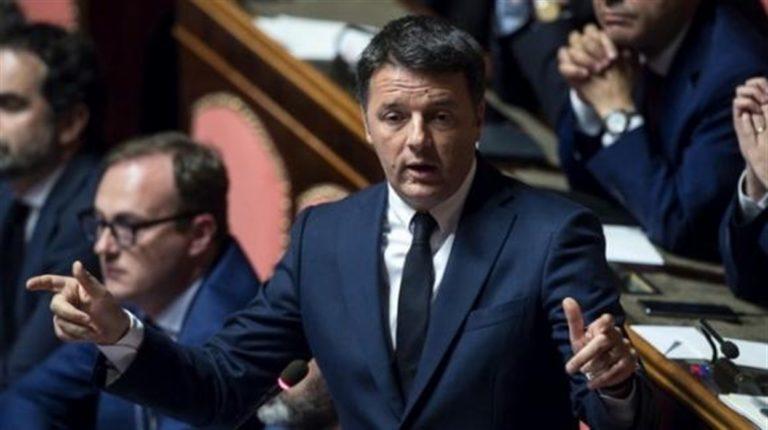 """L'attacco di Renzi: """"Salvini si dimetta e torni ai suoi mojito e selfie"""""""