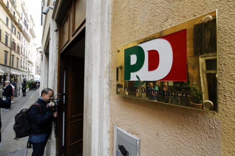 Lavoro: Napoli, disoccupati Scampia occupano sede Pd