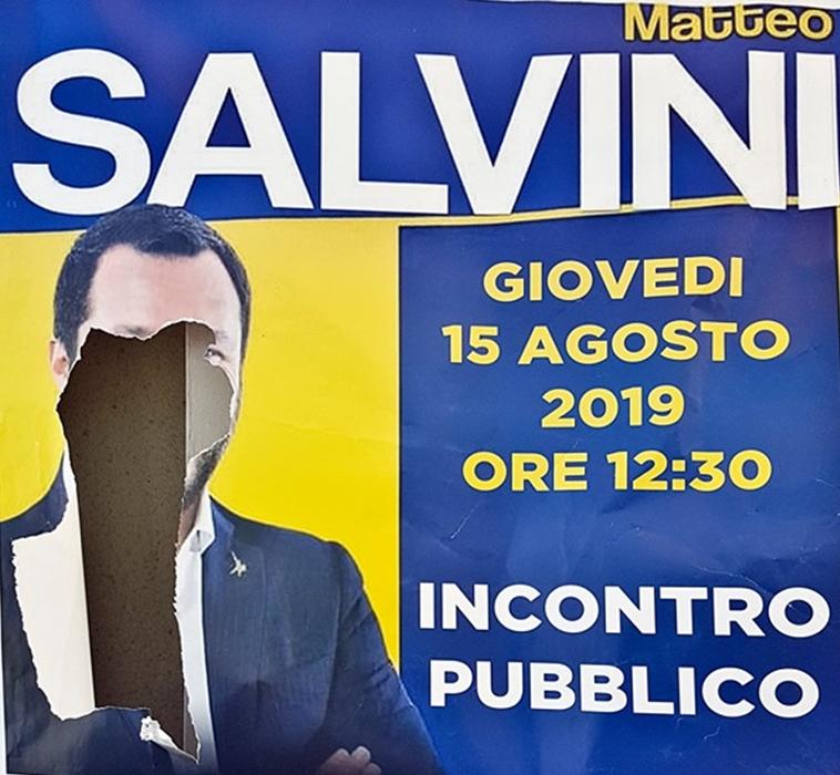 Un Salvini confuso e umiliato finisce sott'accusa. Crescono i malumori nella Lega
