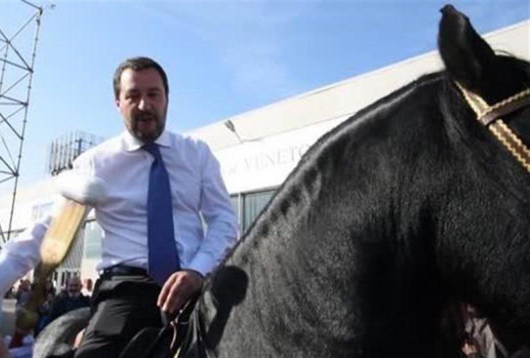 Salvini rispetta il pronostico: rompe il silenzio elettorale