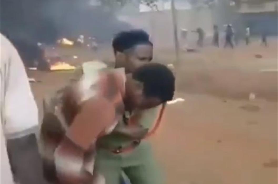 Strage in Tanzania, autocisterna riversa carburante e esplode, 57 morti carbonizzati