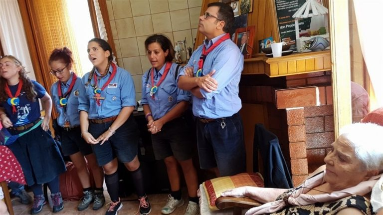 Visita alla mamma di don Diana, Casal di Principe invasa dagli scout