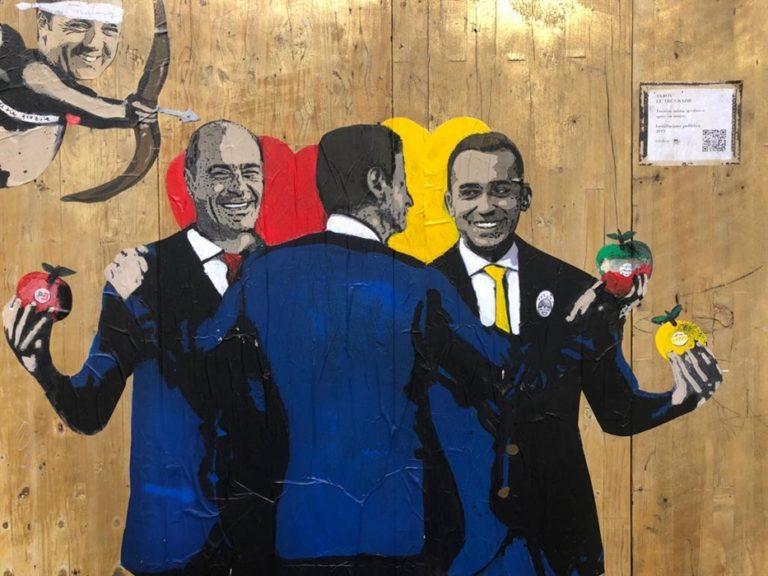 Nuova opera di street art per celebrare il patto M5S-Pd