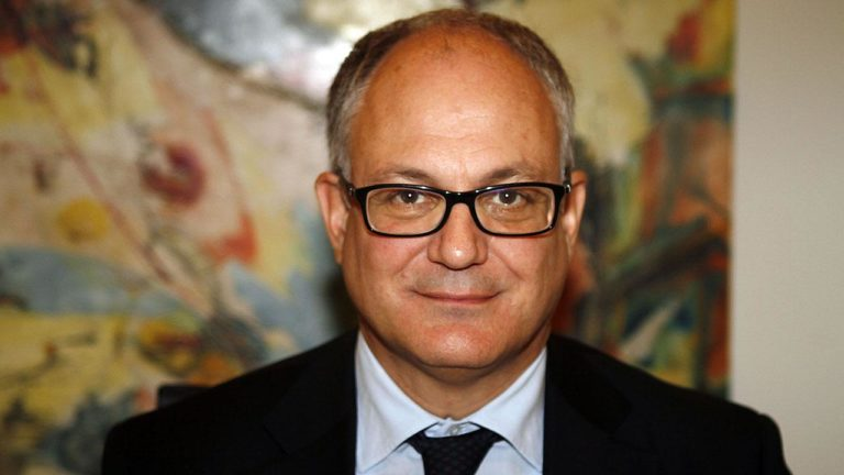 Elezioni suppletive a Roma, in campo il ministro Gualtieri. Si tenta di coinvolgere anche il M5S