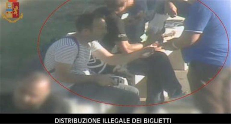 Juventus, 12 capi ultrà arrestati. Sono accusati di estorsione e violenza