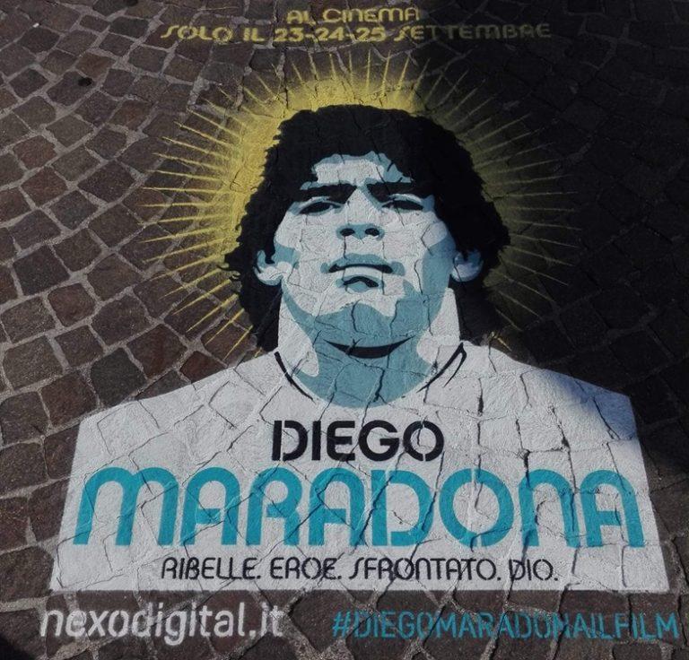 """VIDEO. Diego Maradona, il mito. Il regista Kapadia: """"Ho toccato il suo piede sinistro, lui mi ha preso a calci"""""""