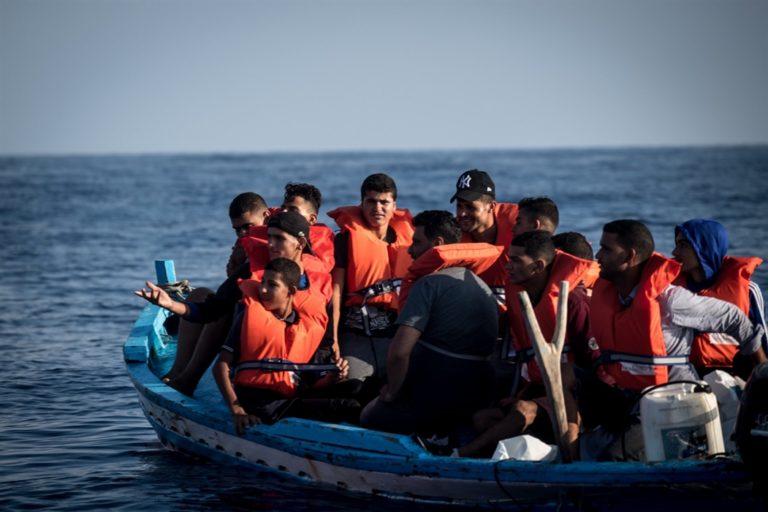 """L'Ungheria attacca l'Italia: """"Pericoloso aver aperto i porti alla nave umanitaria"""""""