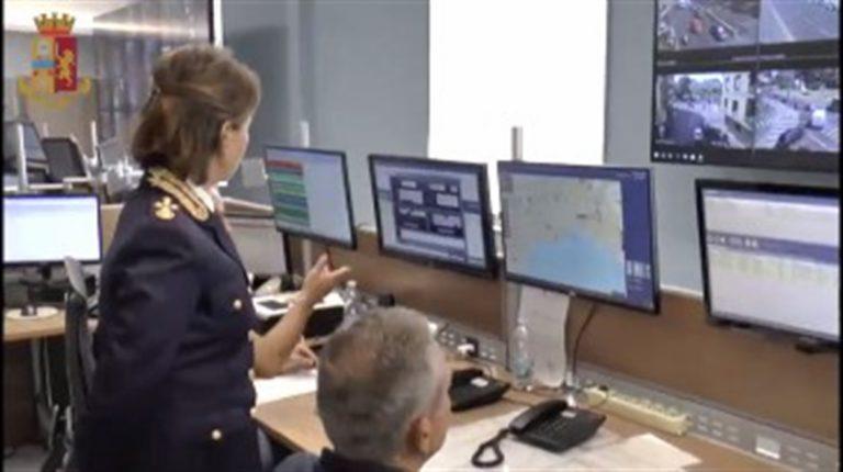 Questura di Napoli, il capo della Polizia inaugura la nuova Sala Operativa
