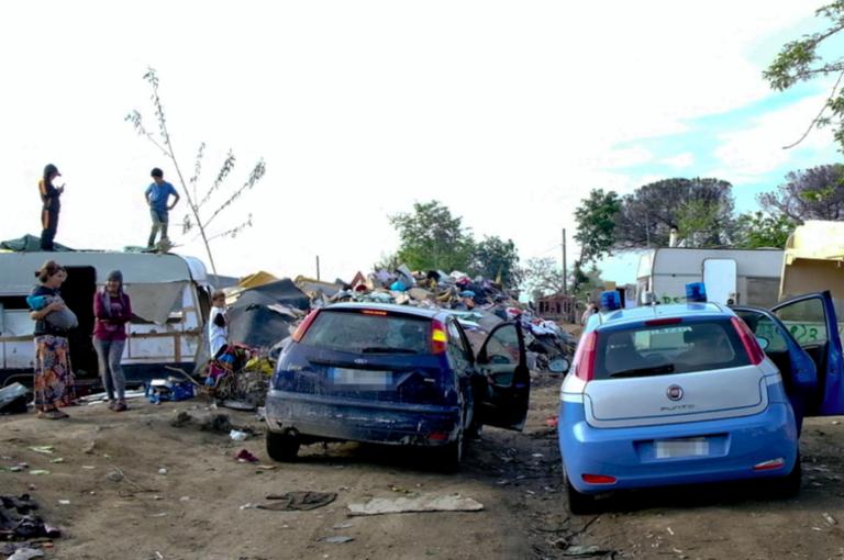 Campo Rom, scatta zona rossa