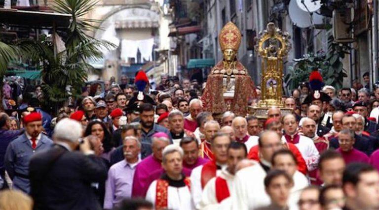 San Gennaro, Napoli con il fiato sospeso in attesa del miracolo