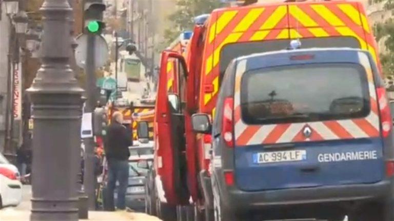 Prefettura di Parigi, funzionario fa strage: 5 morti e un ferito grave. Sul luogo dell'eccidio il presidente Macron