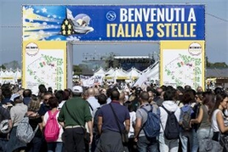Oggi al via la due giorni della festa di 'Italia 5 Stelle 2019'. Di Maio contestato domani chiude la kermesse da solo