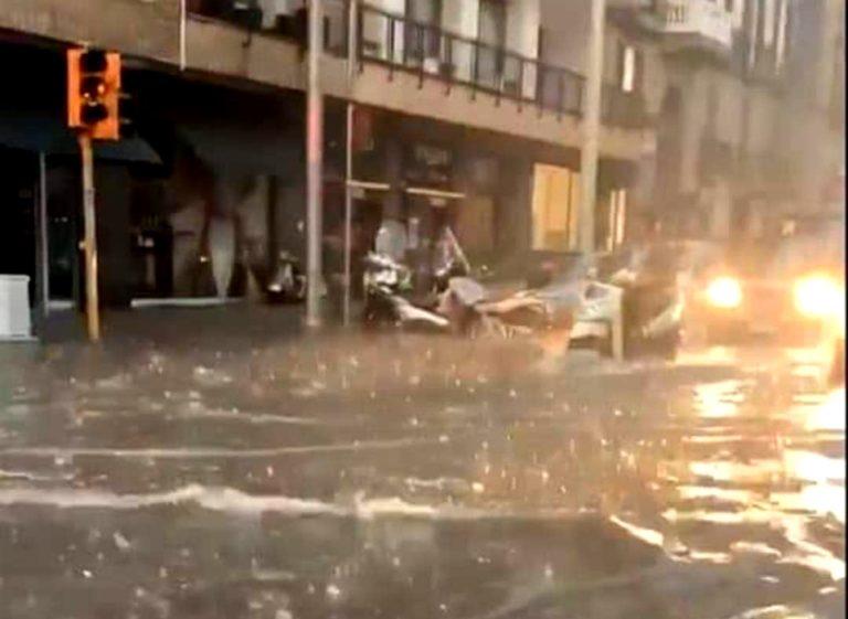 Scatta l'allerta meteo, pericolo bombe d'acqua a Napoli e nell'hinterland