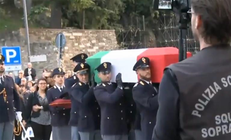 Dolore e rabbia ai funerali dei due agenti uccisi