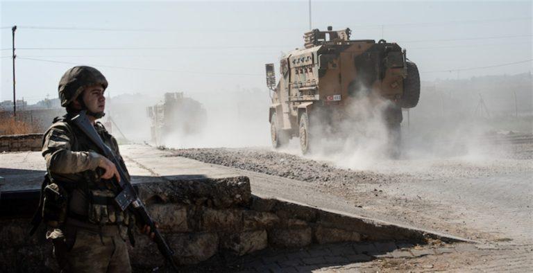Siria, colpito un convoglio che accompagnava dei giornalisti: 2 cronisti morti altri 5 feriti