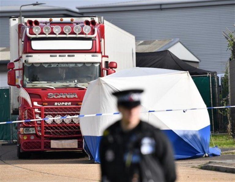 Il tir della morte, trovati stipati 39 corpi di clandestini
