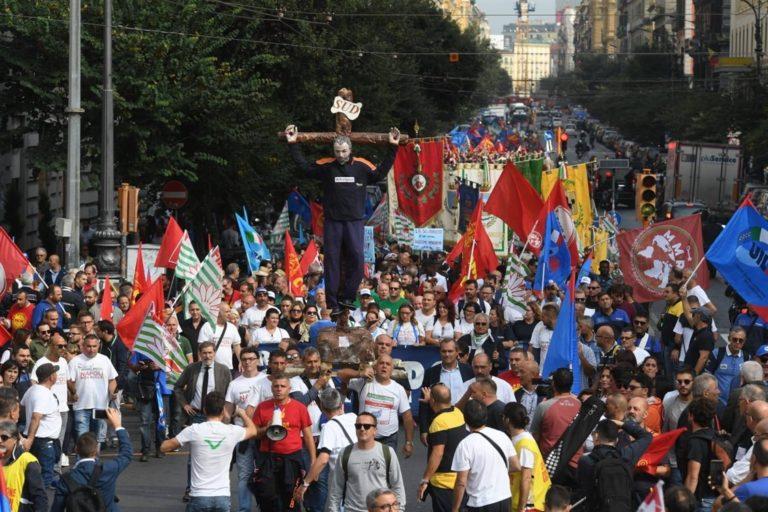 Whirlpool, Fiom: manifestazione nazionale il 29 ottobre a Varese