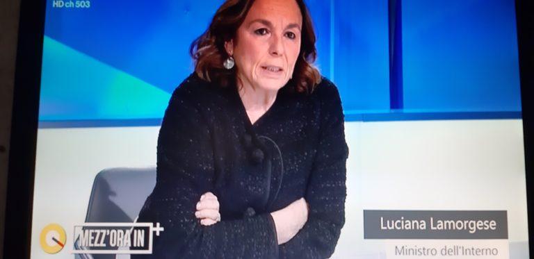 """Minacce a Ilaria Cucchi, il ministro Lamorgese:""""In caso di pericolo sarà tutelata"""""""