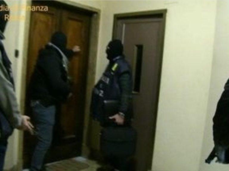 Roma, duro colpo allo  spaccio: 51 arresti