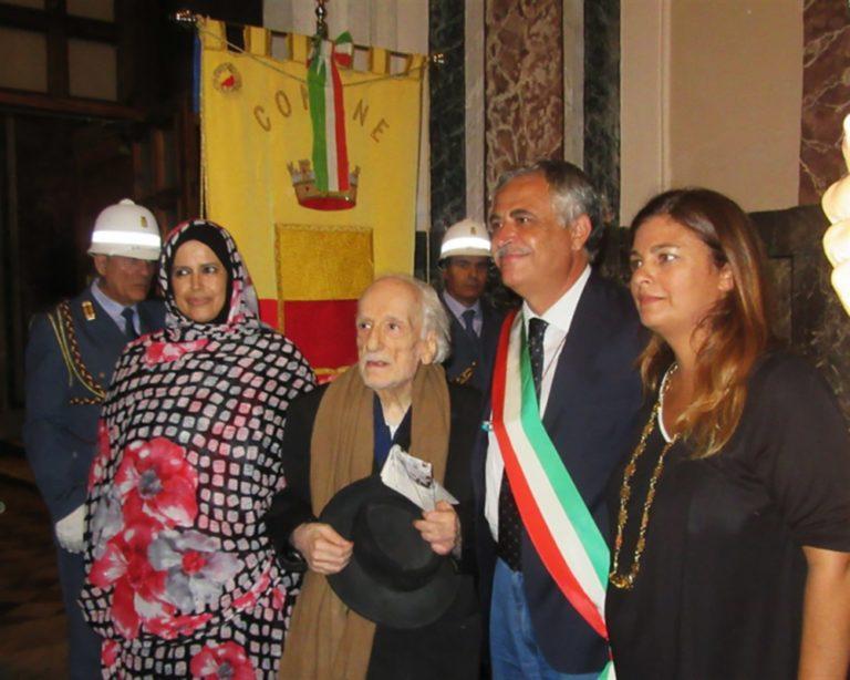 Mondo della cultura, intellettuali, cittadini si mobilitano: Sit in per Nino Daniele davanti Palazzo San Giacomo