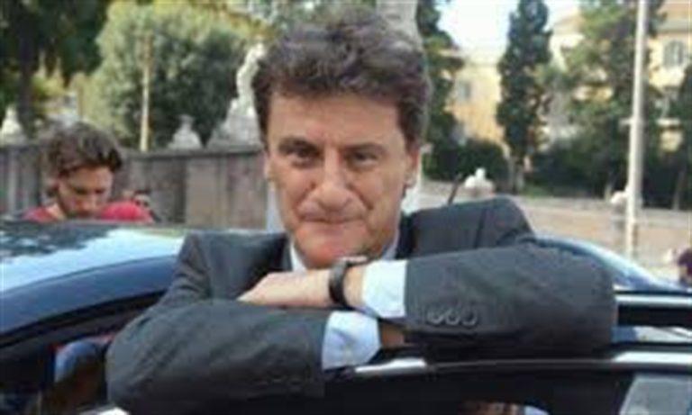 """Giorgio Tirabassi è stato operato: """"È fuori pericolo"""""""
