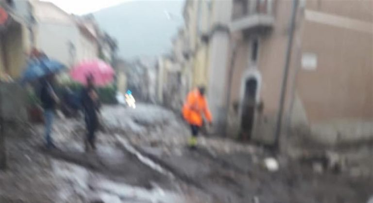 Danni per l'ondata di maltempo in Campania: nelle prossime ore previsto un peggioramento