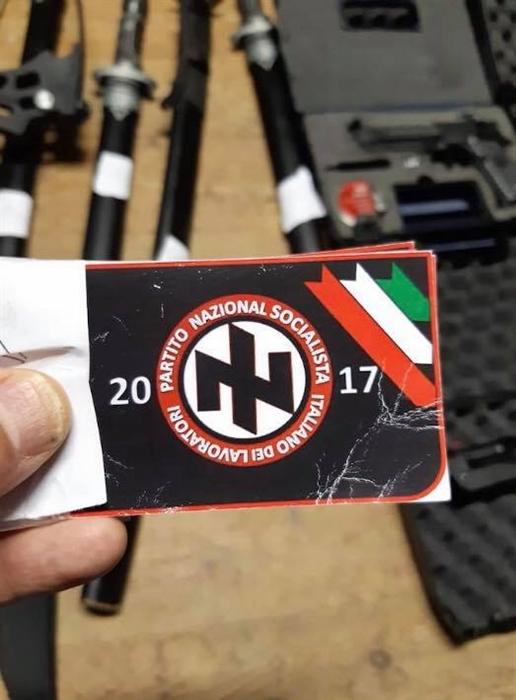 """Scoperta associazione neonazista: si addestravano, possedevano armi e cercavano proseliti tra i """"no vax"""""""