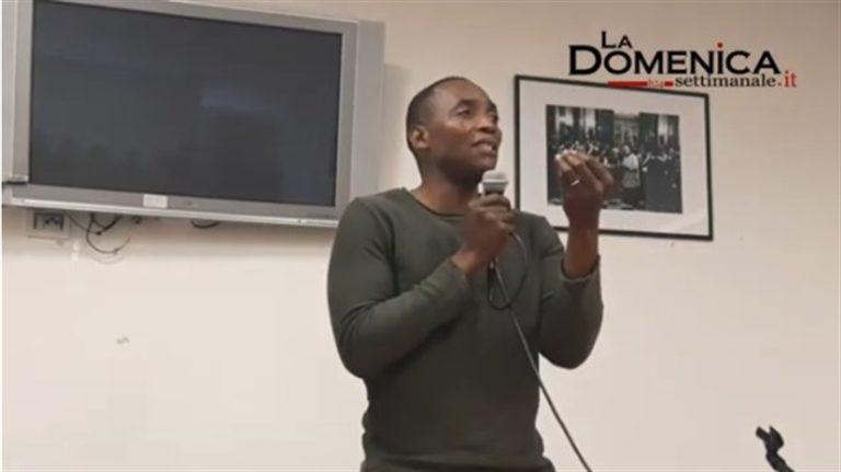 VIDEO. Aboubakar Soumahoro torna a Napli con la sua 'Umanità in rivolta'