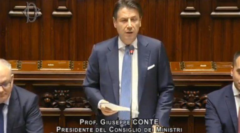 """Mes, il premier Conte attacca: """"È noto che Salvini non studia i dossier, mi stupisco di Meloni"""" che replica : """"Lei è l'avvocato del popolo non sarà il curatore fallimentare. La manderemo a casa"""""""