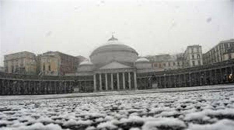 Morsa di gelo su Napoli, a rischio esplosione degli impianti idrici e caldaie