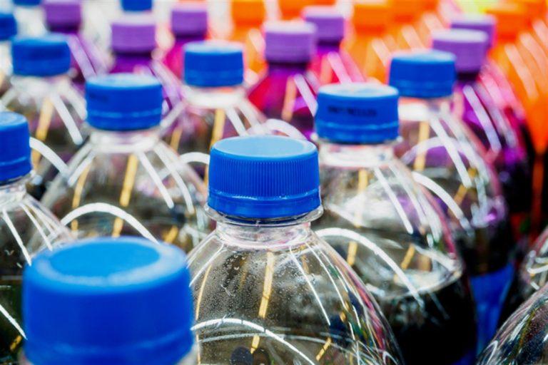 Ecco le nuove microtasse plastica e zucchero aumenteranno di prezzo
