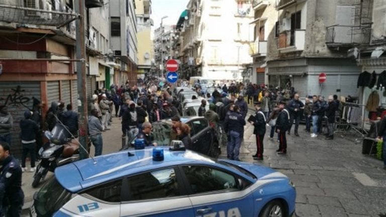 Agguato a Napoli, gambizzato immigrato: si avvicina Natale occorre pagare la rata