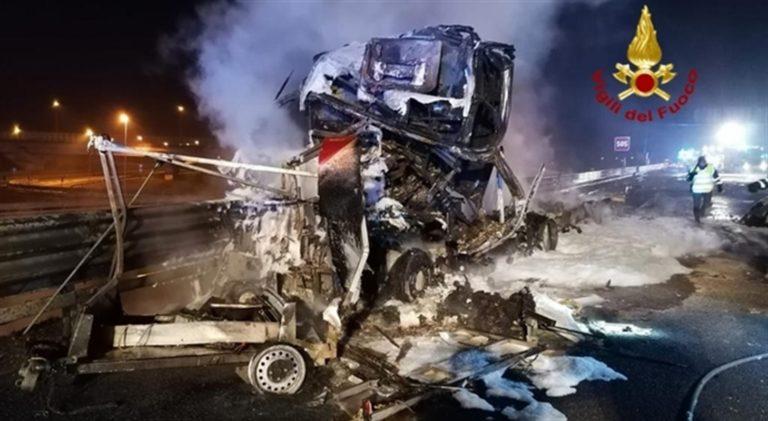 Cisterna travolge autocarro ed esplode: un morto e un ferito
