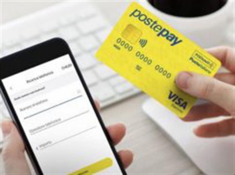 La truffa corre via Sms e Web: a rischio i clienti di poste e banche. Non inviate mai dati personali e segnalate le anomalie alla polizia