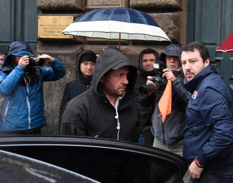 Salvini a Napoli, visita il carcere di Poggioreale e attacca de Magistris e il pregiudicato Ioia, neo garante dei detenuti